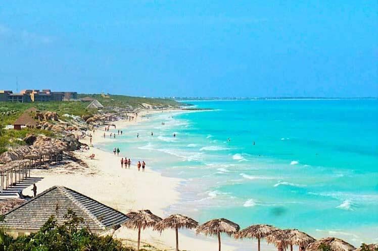 Santa Maria Beach fica a três horas de Havana e é opção para quem adora visitar praias. Foto: Cotidiano News