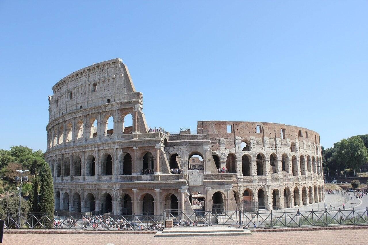 O Coliseu está no centro de Roma, na Itália. Foto: Maite Rodríguez/Pixabay