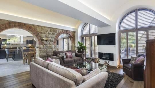 Casa no estilo Teletubbies vai à venda na Inglaterra por mais de R$ 6 milhões. Foto: Dacre, Son and Hartley/Rightmove