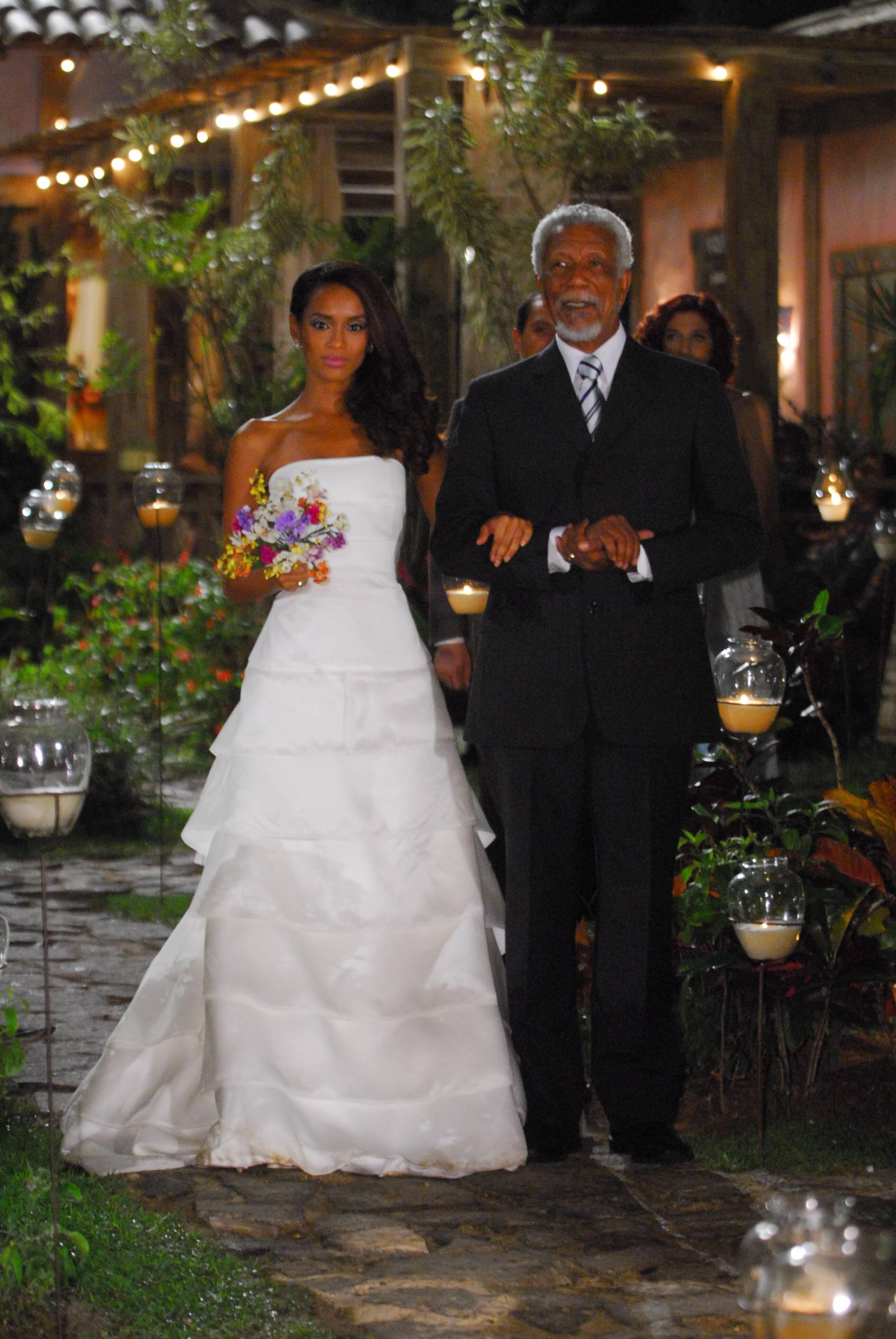 """Helena (Taís Araujo)casou com Marcos (José Mayer) em """"Viver a Vida"""". Foto: Divulgação/TV Globo"""