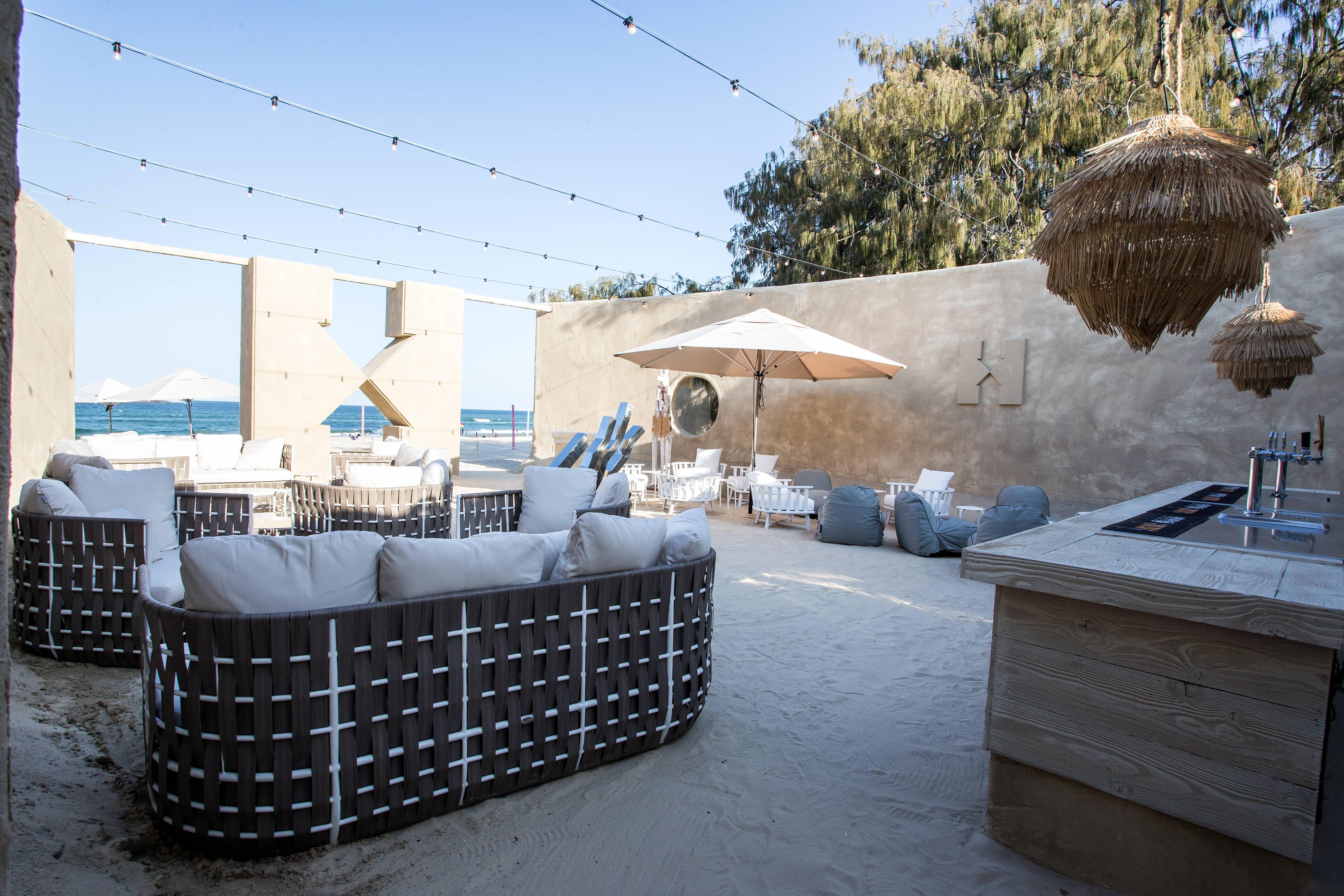 O hostel foi inspirado em um gigante castelo feito de areia. Foto: Divulgação/Hostelworld