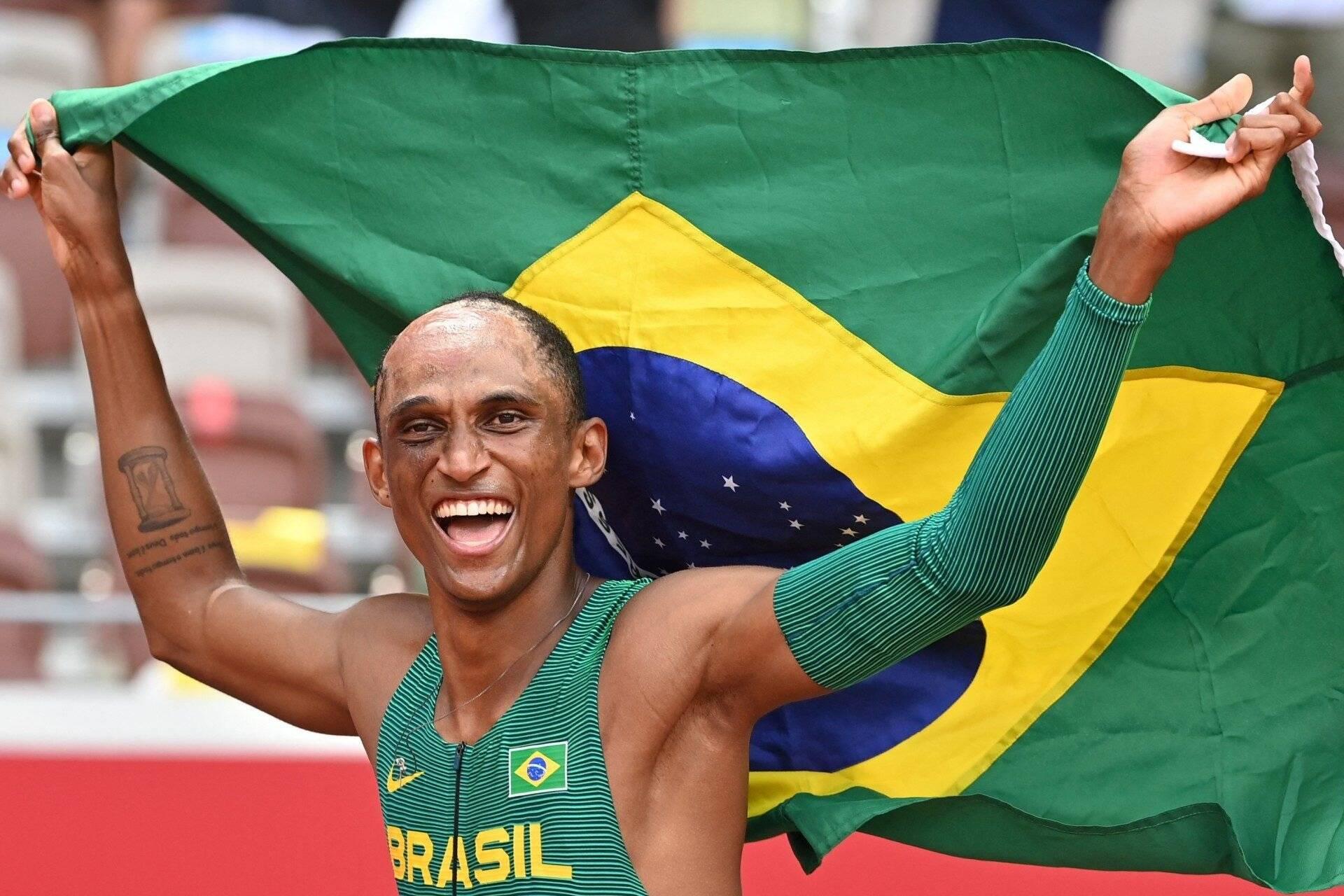 Após medalha, Alison dos Santos exalta o atletismo: 'Me fez uma pessoa diferente'. Foto: redacao@odia.com.br (Estadão Conteúdo)