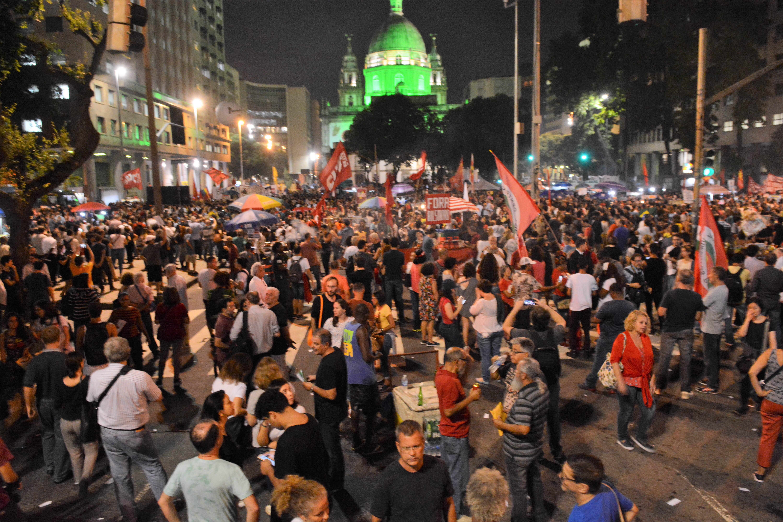 Protesto contra cortes na Educação na Praça da Candelária, no Rio de Janeiro. Foto: Jorge Hely/FramePhoto/Agência O Globo - 30.5.19