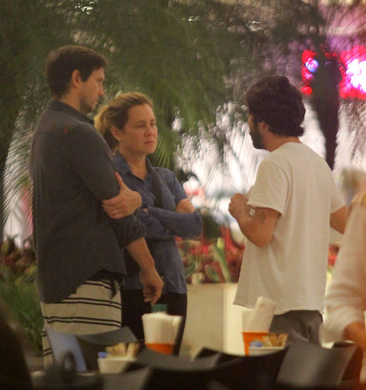 Caio Castro, Vladimir Brichta e Adriana Esteves. Foto: Daniel Delmiro/AGNews
