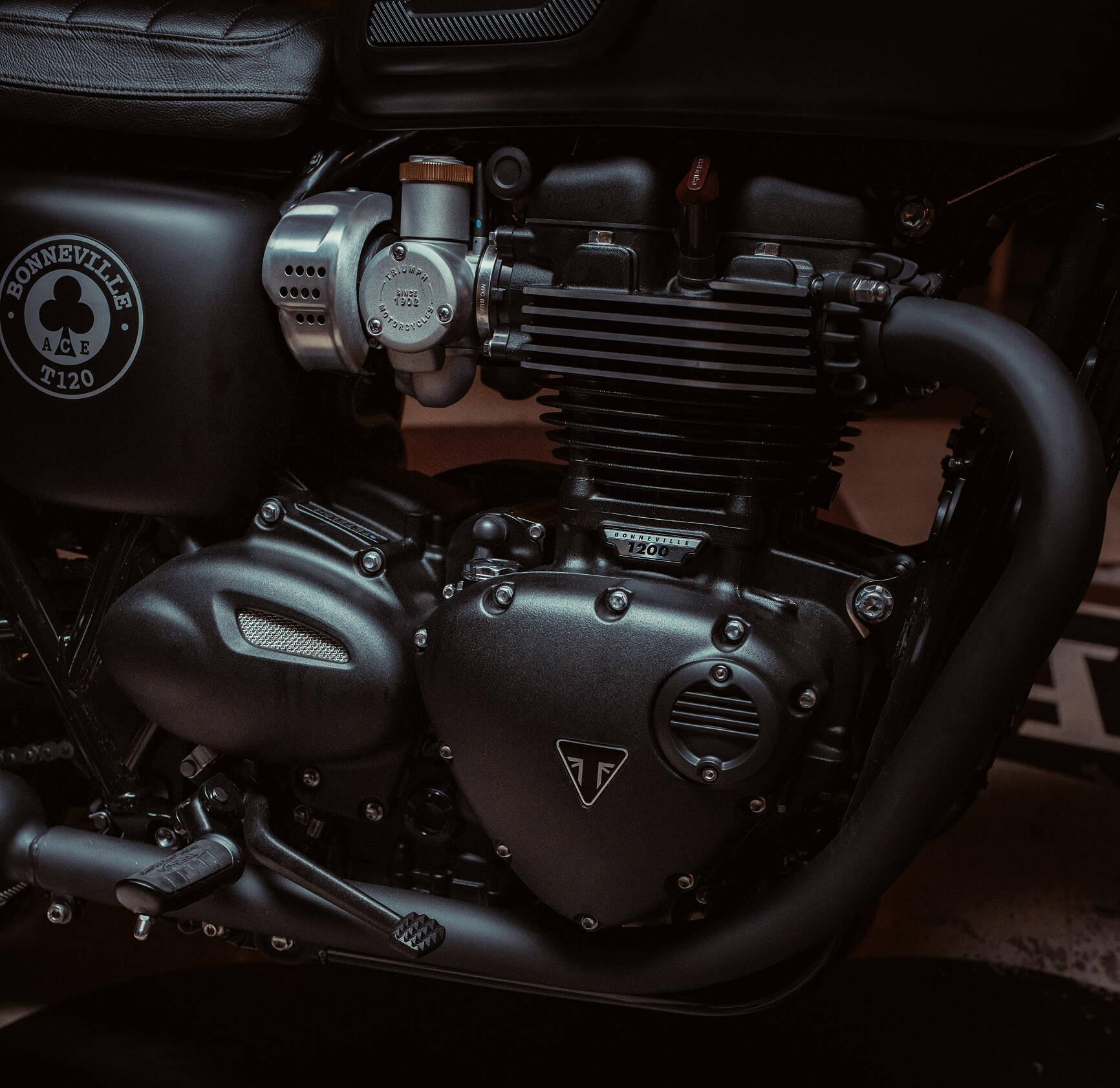 Triumph Bonneville T120 Ace. Foto: Divulgação
