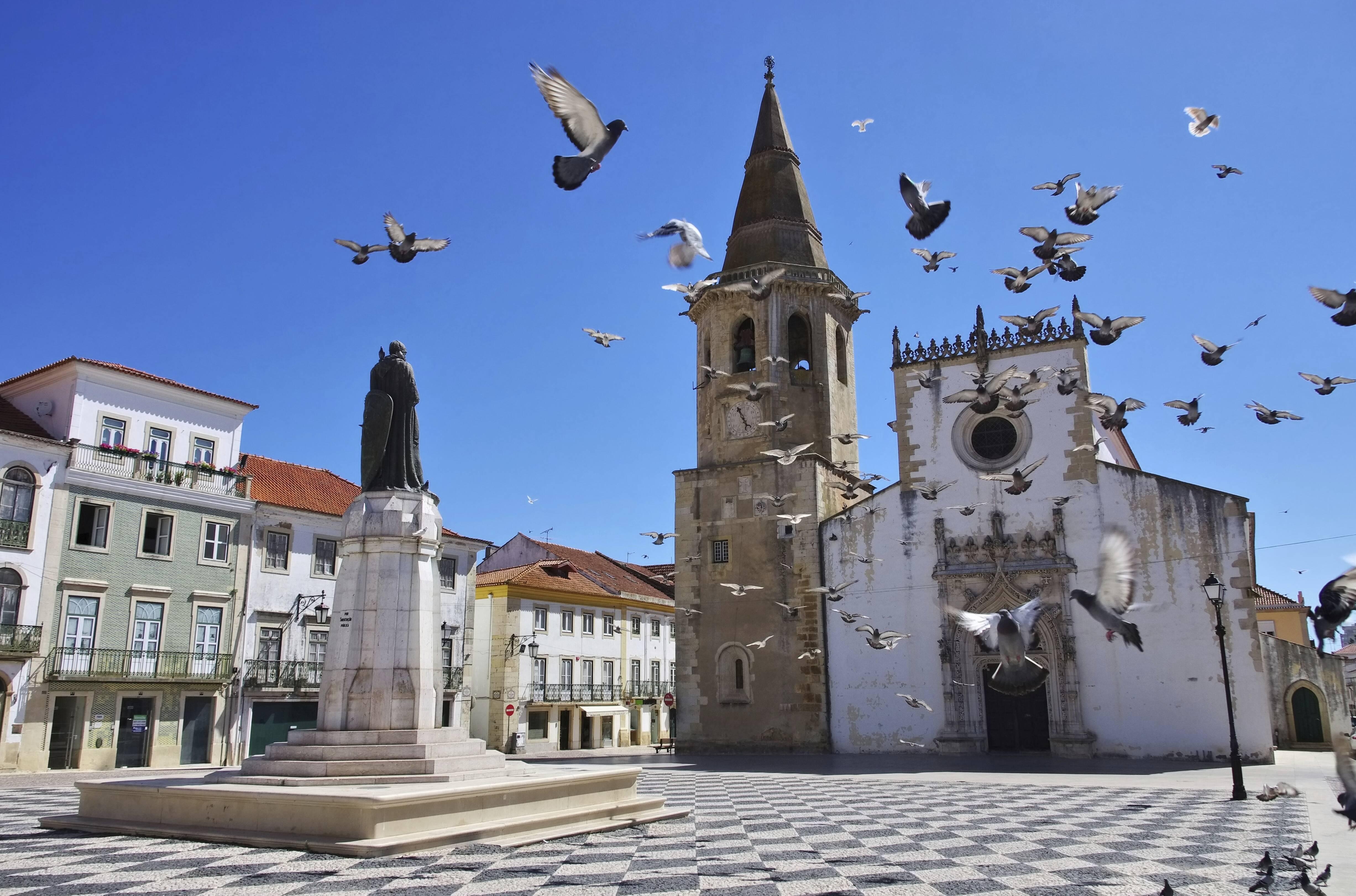 A cidade de Tomar tem uma intima ligação com a Ordem dos Cavaleiros Templários, que tinha nela sua sede portugeusa. Foto: Divulgação/Turismo de Portugal