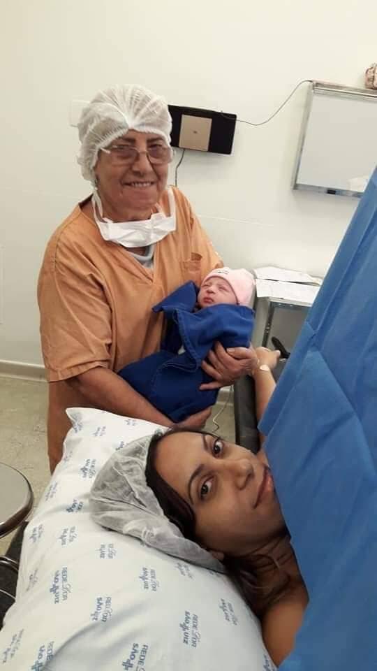 Juliana teve HELLP, caso grave de pré-eclâmpsia, durante a gestação. A filha, Ayla Sales Azevedo Nascimento, nasceu em abril deste ano e corria risco de vida. . Foto: Arquivo pessoal