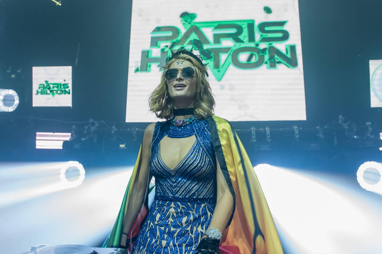 Paris Hilton agita carnaval de Salvador. Foto: Caio Duran e Marcelo Brammer / Divulgação