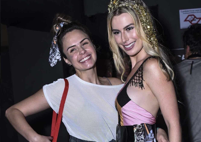 Ex-BBBs Ana paula Renault e Fernanda Keulla se encontram no carnaval paulista no sábado (10) . Foto: Lu Prezia