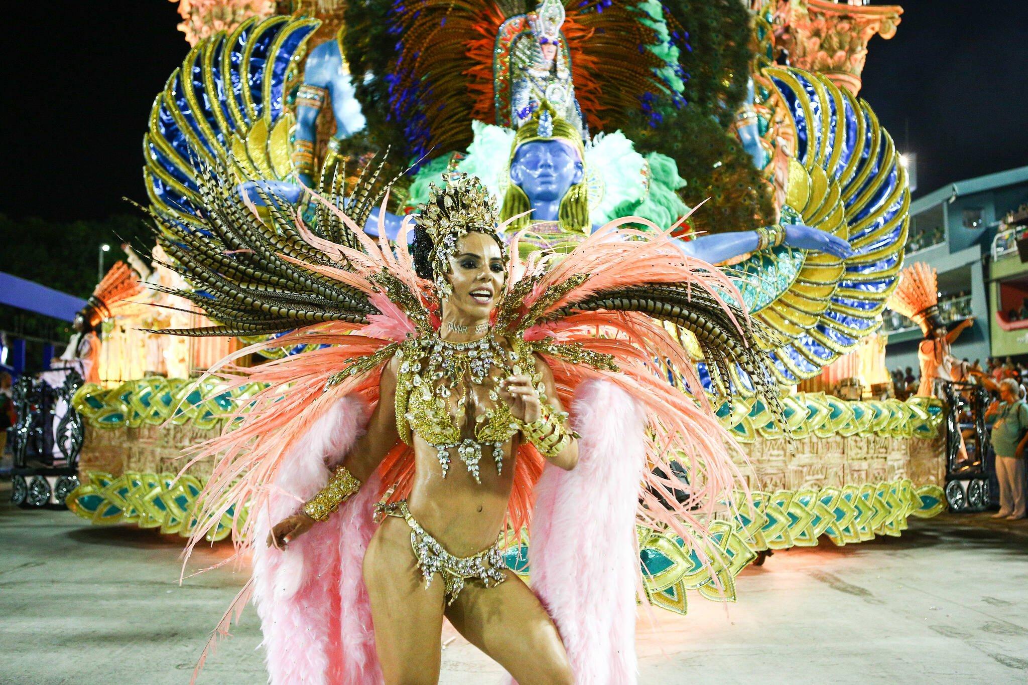 Destaque da Imperatriz Leopoldinense desfila na Sapucaí nesta segunda-feira (12). Foto: Riotur/divulgação
