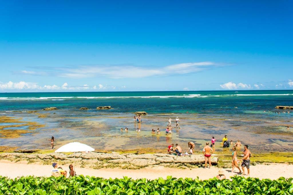 Praia do Mucugê tem piscinas naturais, bela vista e infraestrutura para visitantes. Foto: Arraial d'Ajuda