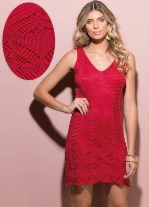 Vestido Tricô Decote Nas Costas Vermelho por R$ 49,90 na promoção. Foto: Divulgação