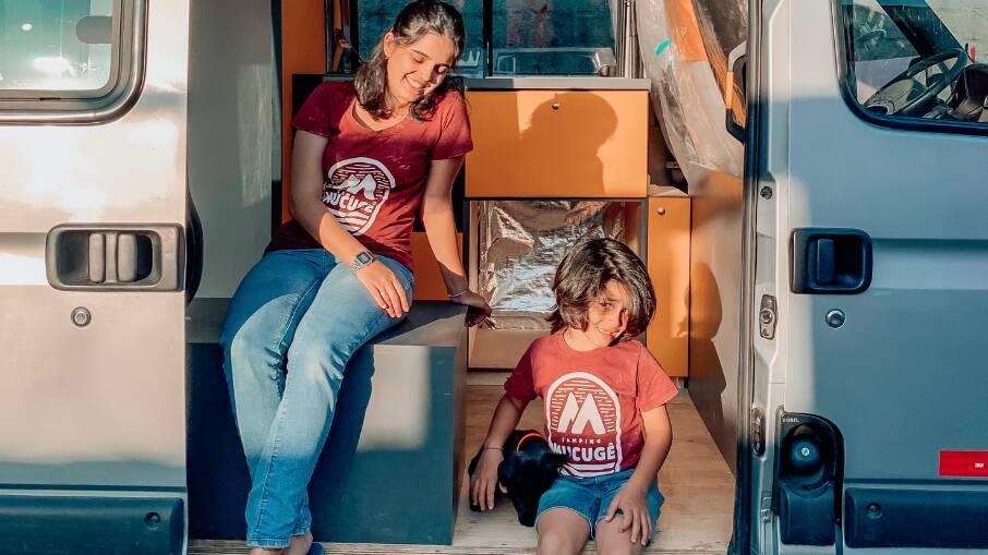 """Família deixa carreira e apartamento para viver em motorhome; """"Foi uma das melhores decisões de nossas vidas"""". Foto: Reprodução/@familia.nomade"""
