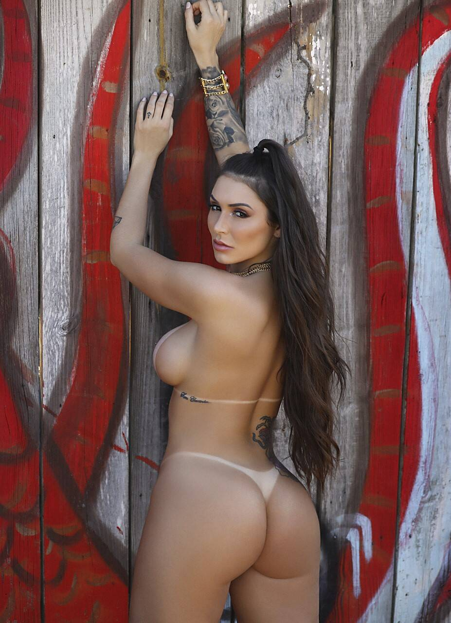 Jady Santy é a estrela de reveillon do site de ensaios sensuais Diamond Brazil. Foto: Davi Borges / Diamond Brazil
