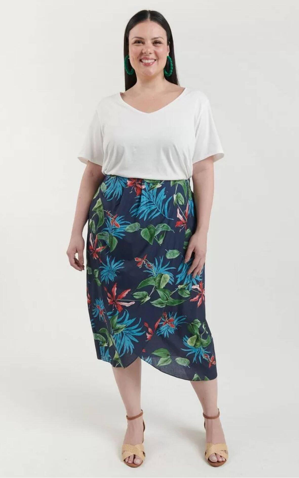 Saia Floral Curve & Plus Size | Renner | R$ 159,90. Foto: Divulgação