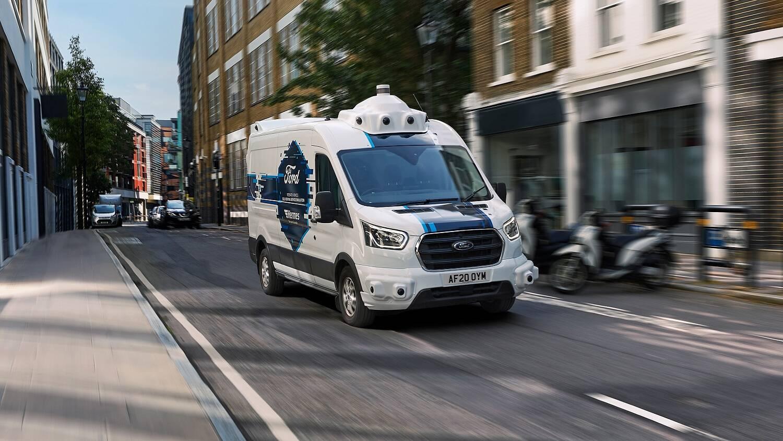 Ford Transit Autônoma: objetivo é estudar como essa tecnologia pode beneficiar as empresas de entregas urbanas e, também, como as pessoas interagem com ela nas ruas.. Foto: Divulgação