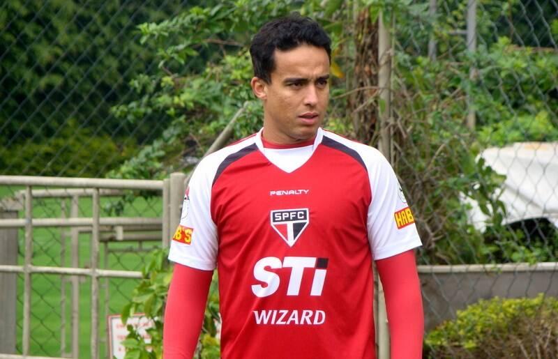 Jadson também. Ele saiu do São Paulo e vai para o Corinthians. Foto: Site oficial do São Paulo