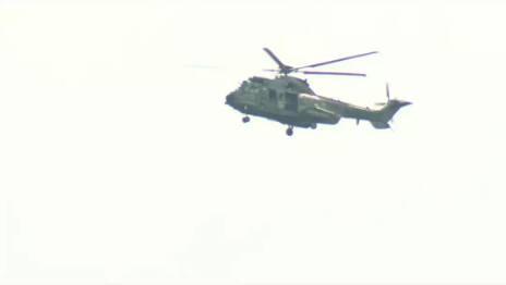 Imagens de TV mostram helicóptero com Jair Bolsonaro sobrevoando região de Brumadinho. Foto: Reprodução/TV Globo