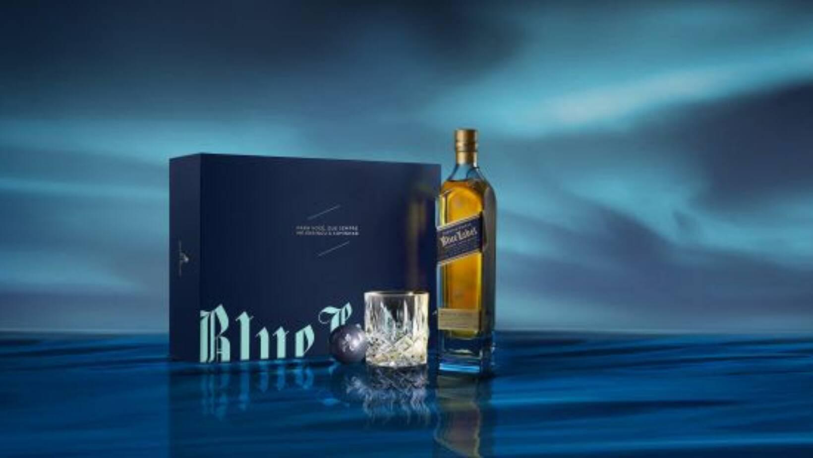Jhonnie Walker Blue Label edição comemorativa. Acompanha copo de cristal e uma pedra de mármore personalizável (substitui o gelo e contribui para manter a bebida na temperatura ideal). R$ 1.150. Foto: Divulgação