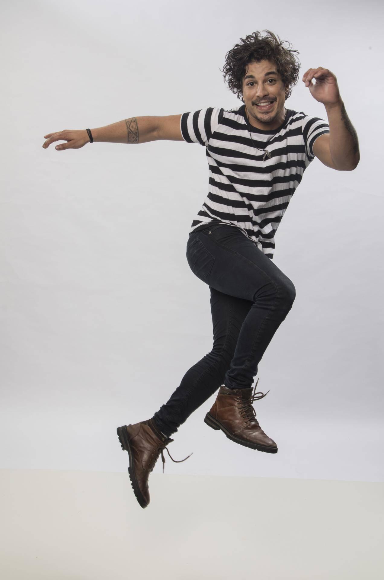 Douglas Sampaio,  ator e cantor, 24 anos. Foto: Divulgação