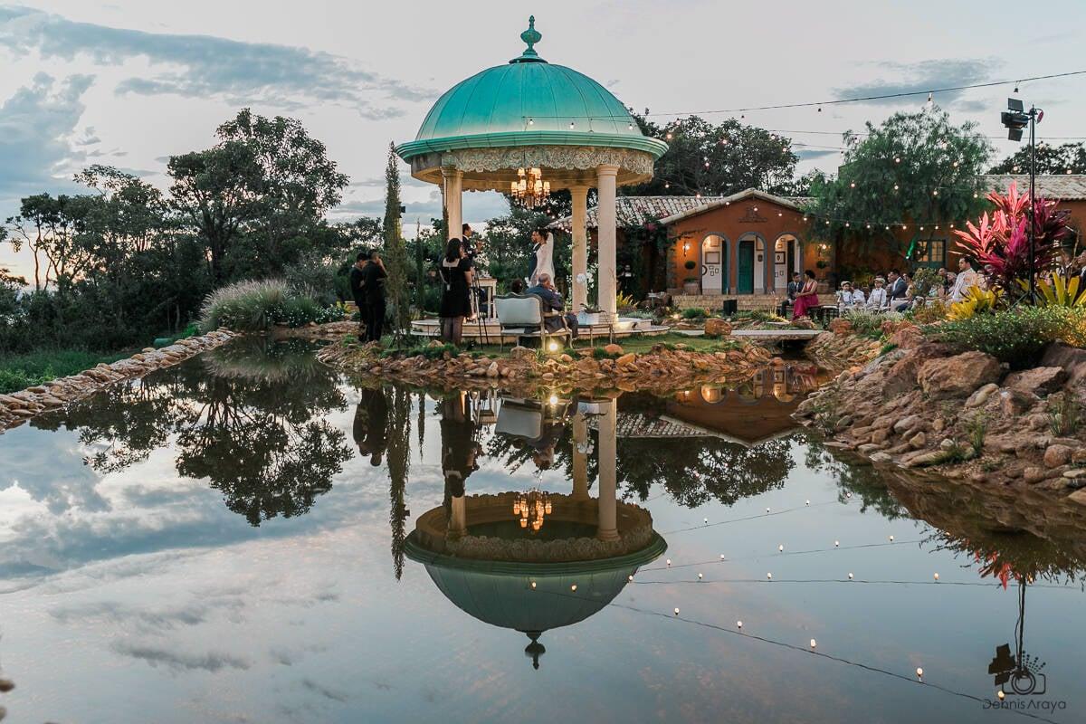 O Gazebo, que recebe muitos casamentos, é um dos lugares onde é possível experimentar o chá da tarde. Foto: Reprodução/Villa Giardini