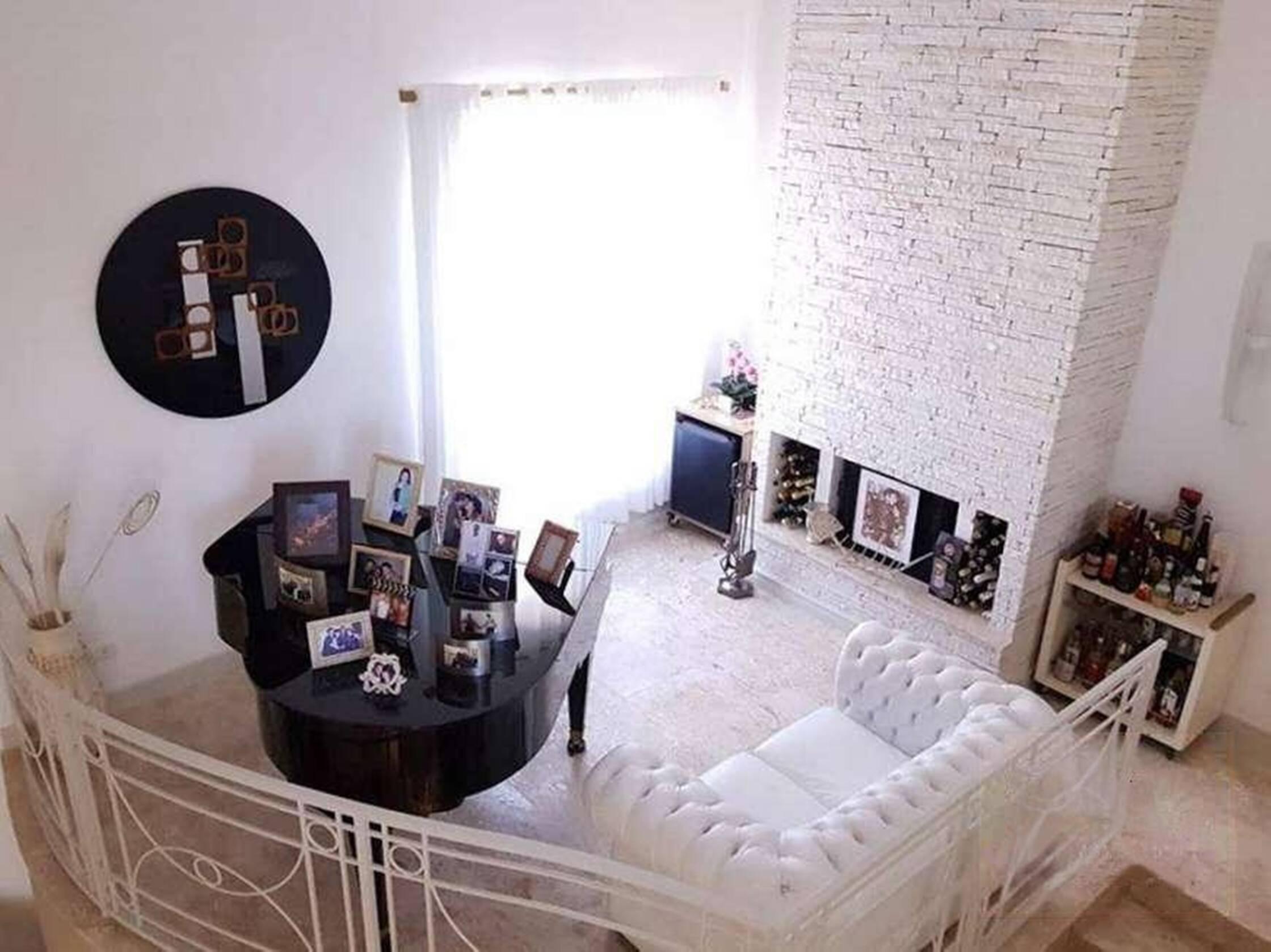 Detalhes da mansão de Rick, da dupla com Renner, que está à venda. Foto: Reprodução/Instagram