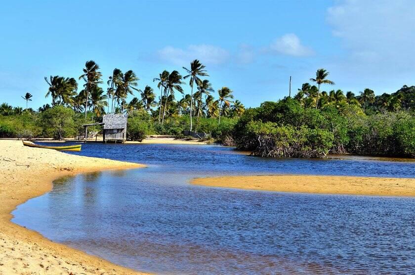 Praia de Santo André é tranquila, tem trechos vazios e a pesca é comum. Foto: Guia da Semana