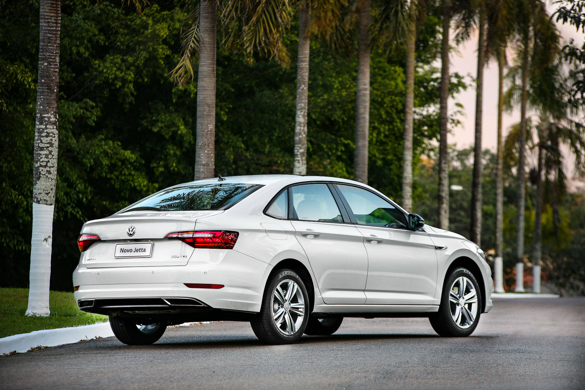 VW Jetta R-Line. Foto: Divulgação