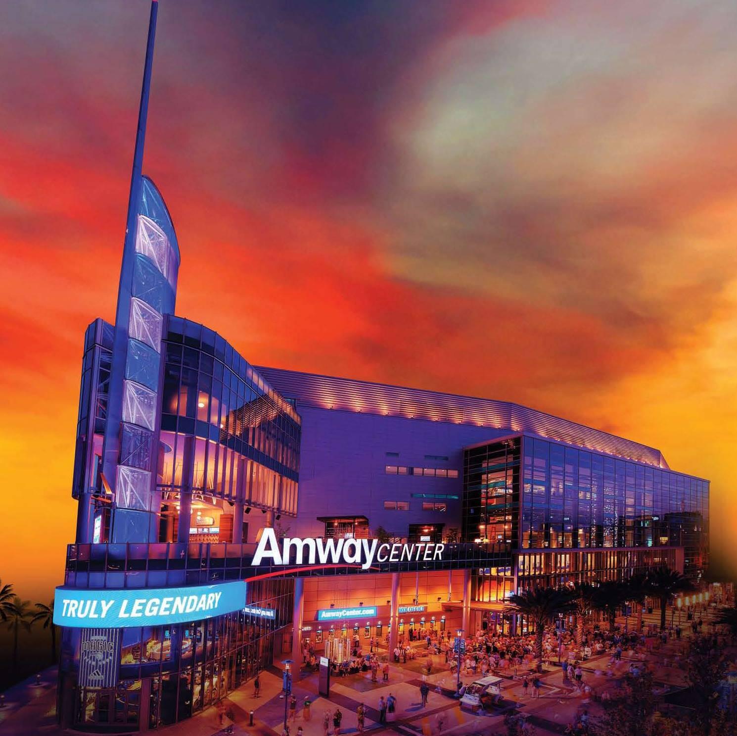 O Amway Center sedia shows e outros eventos como lutas da WWE, além de ser a casa do time da NBA Orlando Magic. Foto: Reprodução/Facebook