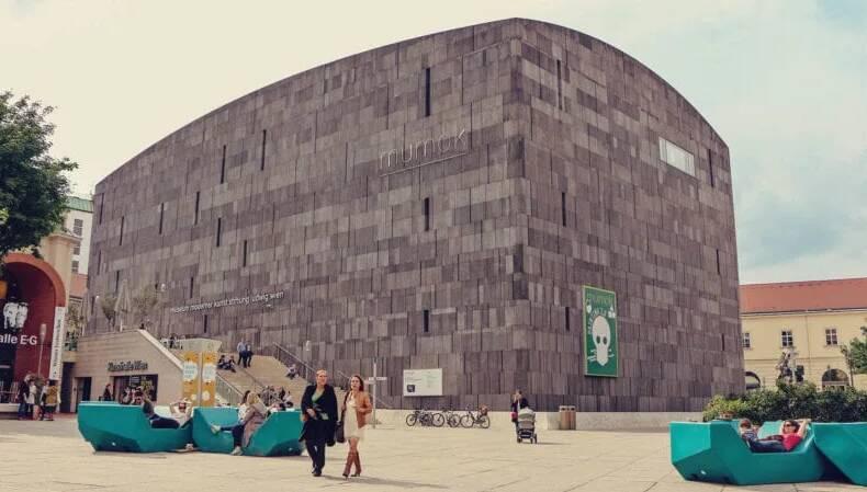 O museu MUMOK é parada obrigatória para quem curte arte contemporânea. Foto: Reprodução/Sundaycooks