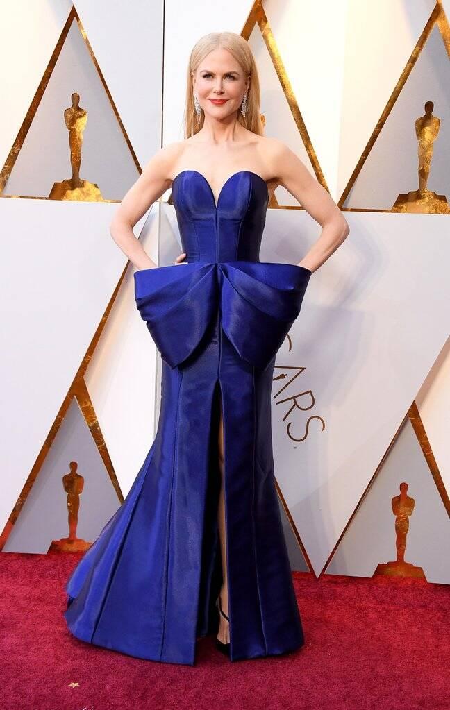 Sinônimo de mulherão. Nicole Kidman exalou elegância em sua passagem pelo o tapete vermelho do Oscar 2018 no último domingo (04). Foto: Kevin Mazur/WireImage