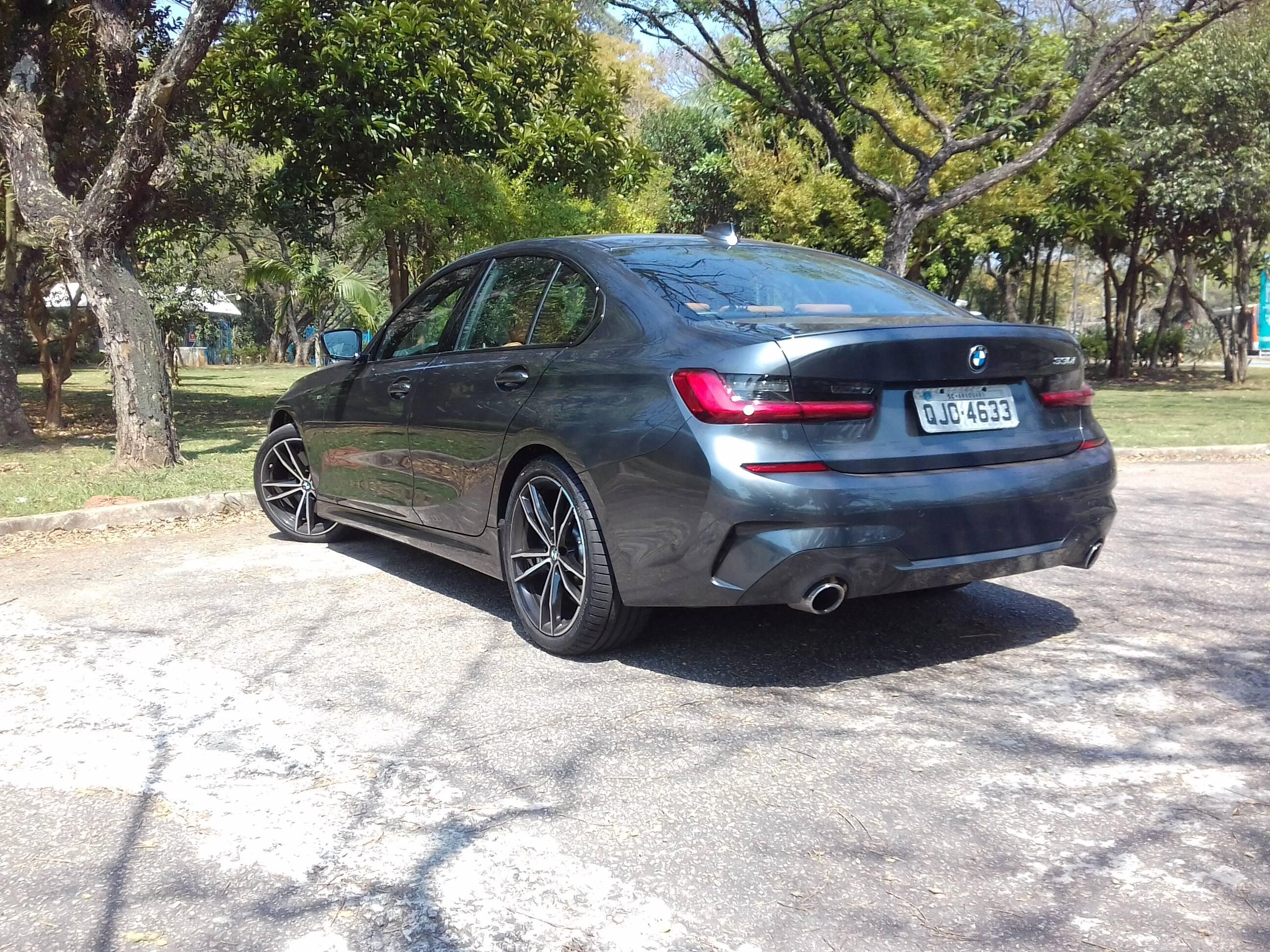 BMW 330i. Foto: Carlos Guimarães/iG