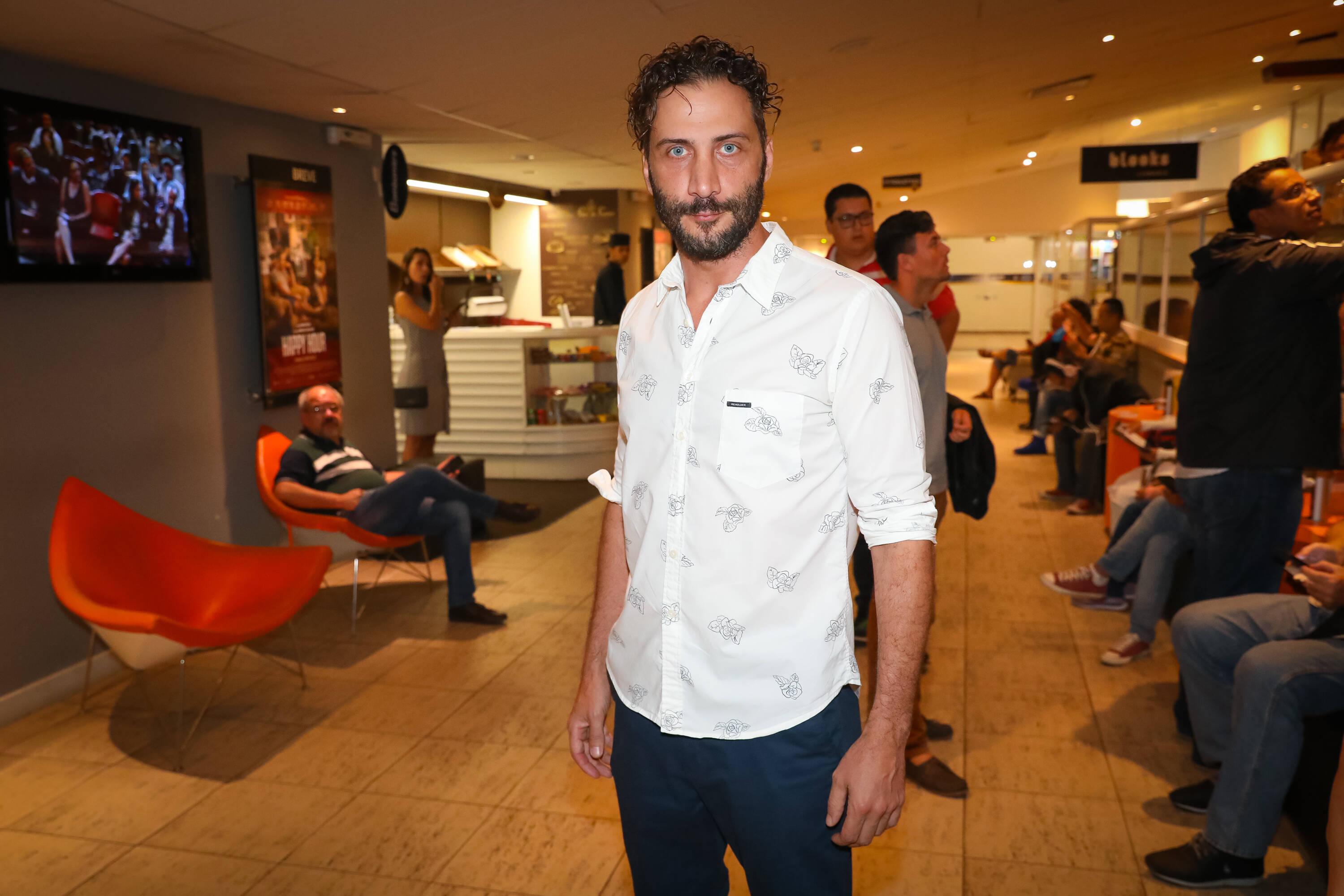 """Luciano Cáceres na pré-estreia de """"Happy Hour – Verdades e Consequências"""" . Foto: Divulgação/Agência Febre"""