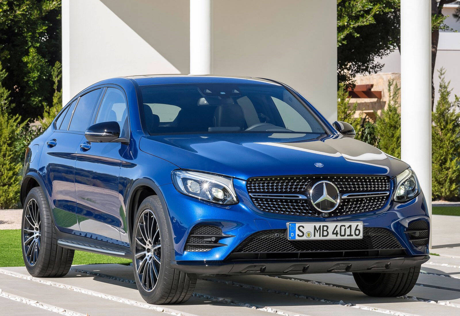 Mercedes-Benz GLC Coupé 250 4MATIC. Foto: Divulgação/Mercedes-Benz