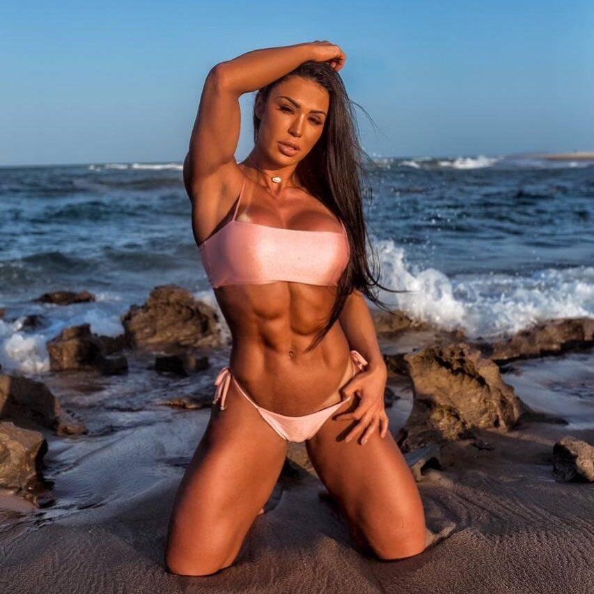 Gracyanne Barbosa esbanjou sensualidade e ousadia nas redes sociais em 2018 . Foto: Reprodução/Instagram