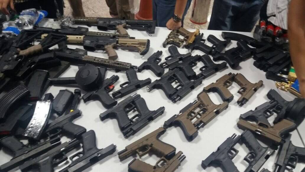 Polícia Rodoviária Federal apreende arsenal de guerra. Foto: Divulgação/Polícia Rodoviária Federal
