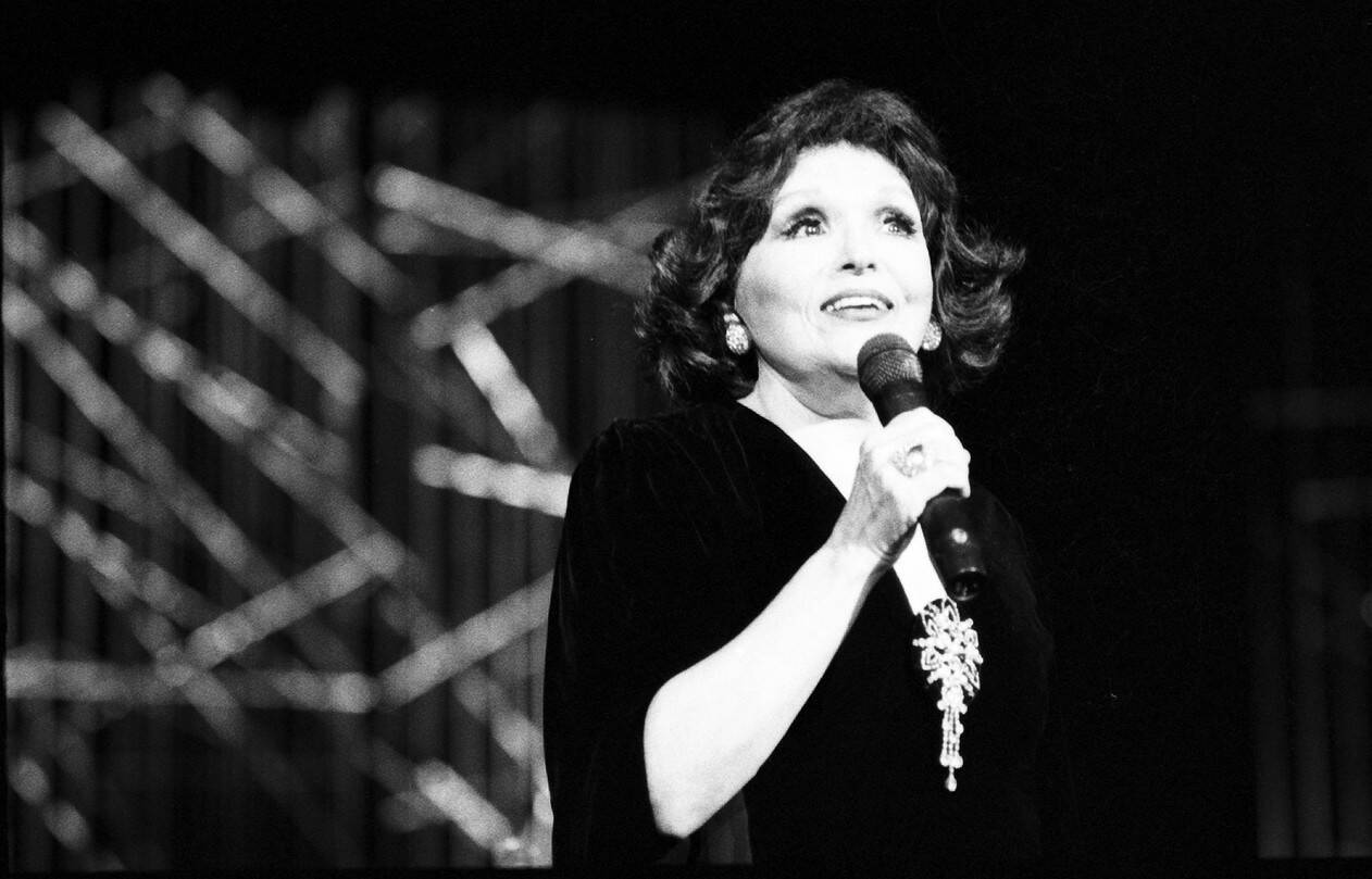 Bibi Ferreira ajudou na arte e cultura do Brasil e inspirou muita gente com sua dedicação. Foto: Reprodução/ TV Globo