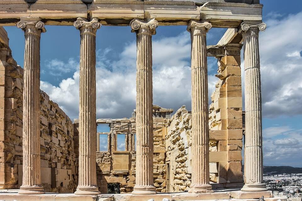 Partenon tem sua estrutura moldada como um enorme quebra-cabeças. Foto: Pixabay