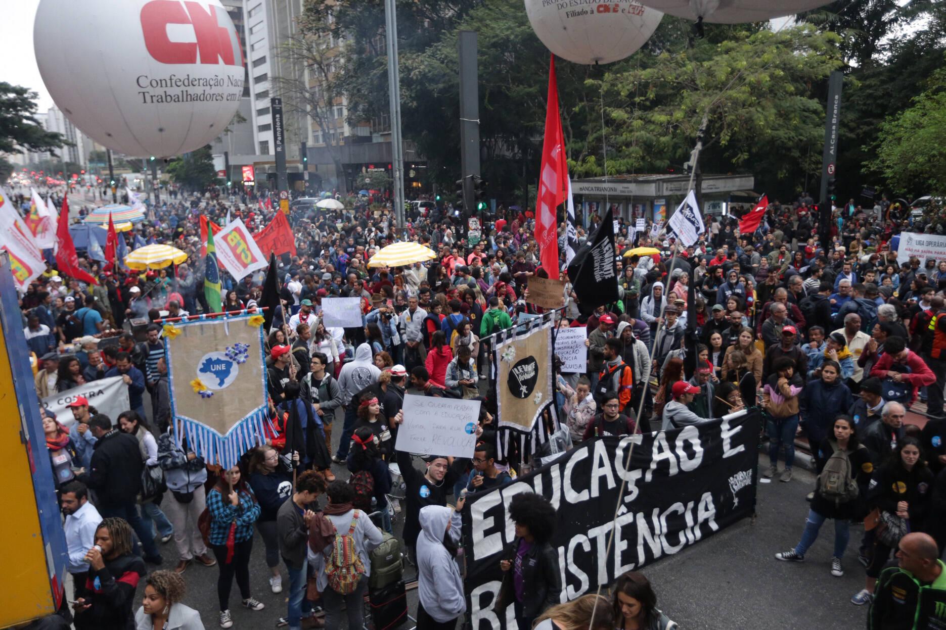 Manifestantes na avenida Paulista,em São Paulo. Foto: Paulo Pinto/Fotos Publicas - 13.8.19
