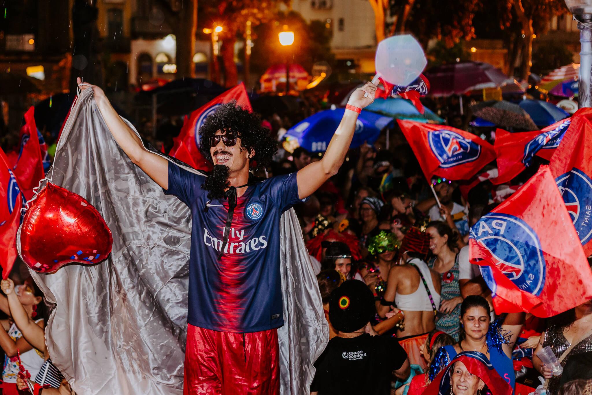 """PSG participou de forma oficial do carnaval brasileiro no bloco """"Toca Raul"""". Foto: Divulgação"""