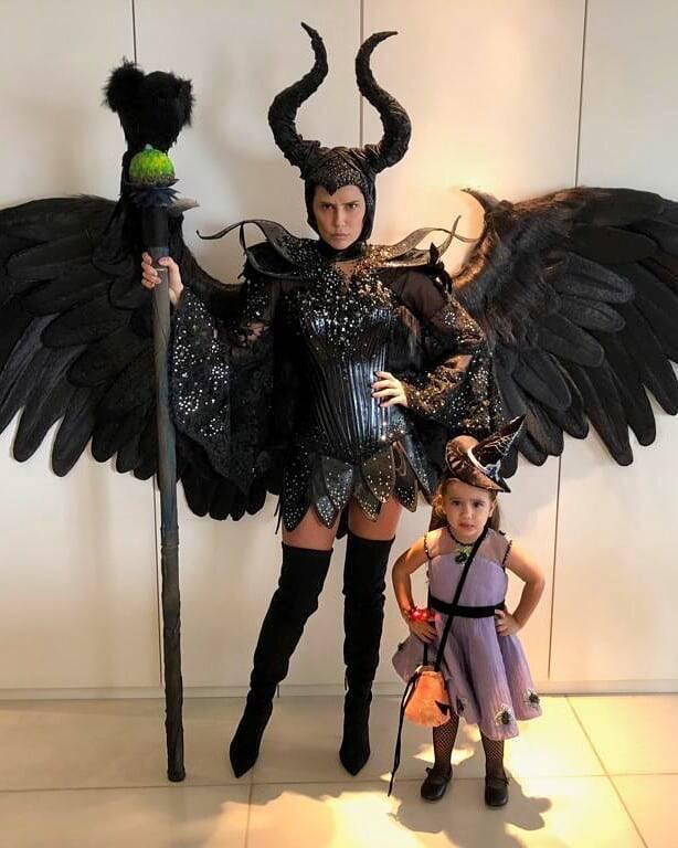 Deborah Secco posou de Malévola junto com a filhinha para comemorar o Halloween. Foto: Reprodução/Instagram