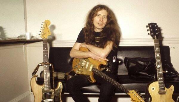 Ex-guitarrista do Motorhead, Eddie Clarke morreu aos 77 anos, no dia 10 de janeiro, no Reino Unido, por pneumonia. Foto: Divulgação/ Reprodução