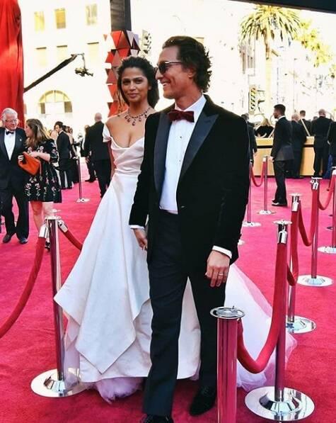 Ator Matthew McConaughey's adentrando o tapete vermelho do Oscar no último domingo (04). Foto: Reprodução Instagram
