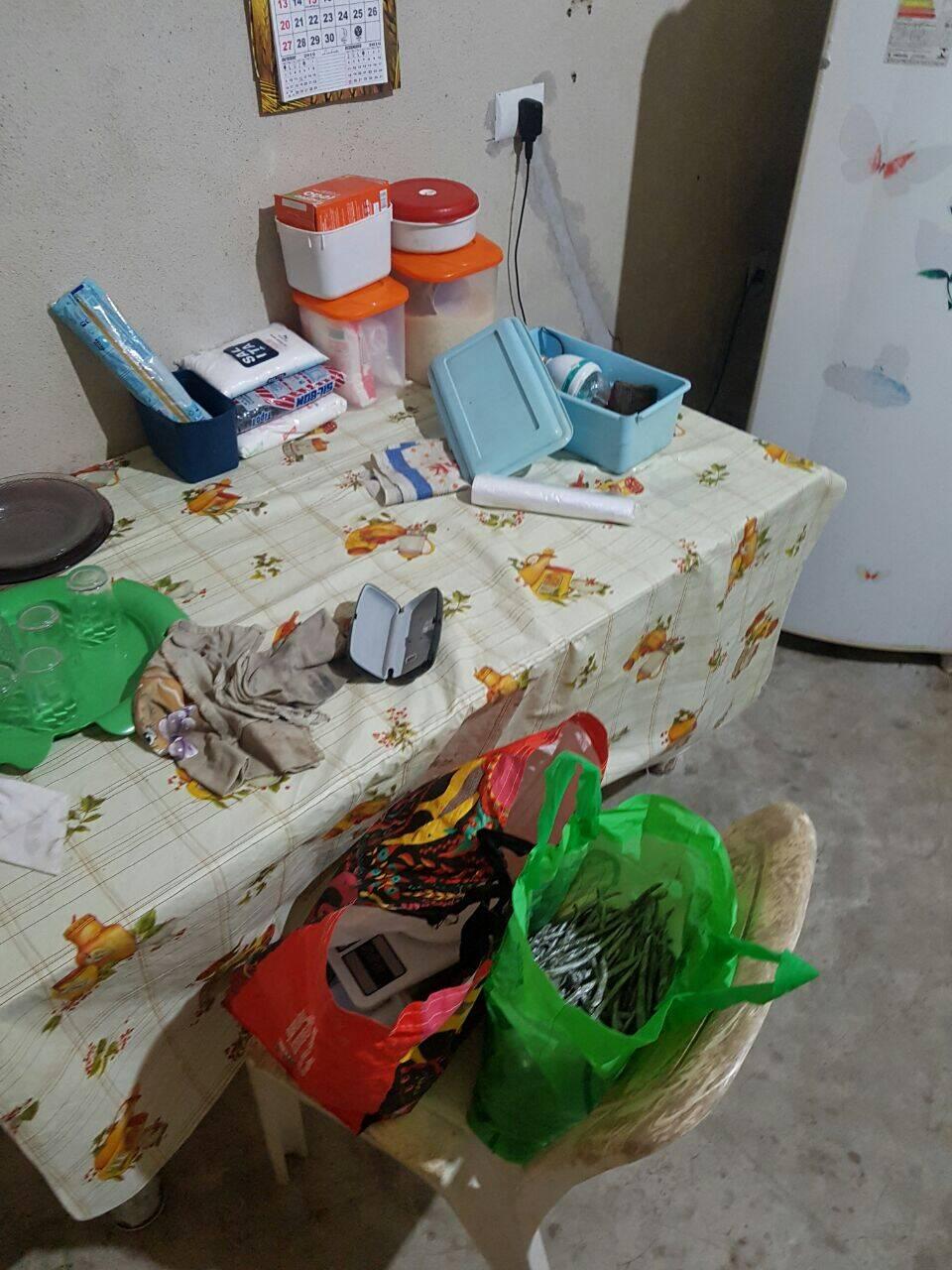 Operação em São Vicente: Maconha na sacola pronta para ser distribuída aos traficantes. Foto: PM Divulgação