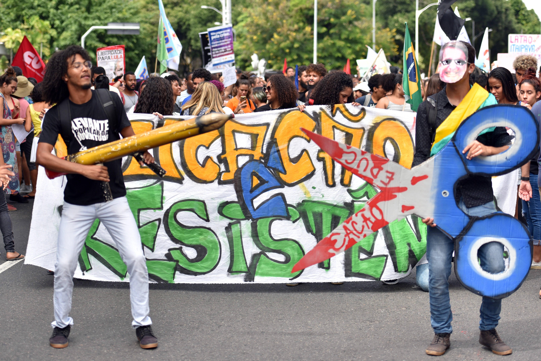 Manifestantes em Salvador (BA). Foto: Walmir Cirne / COOFIAV / Agência O Globo