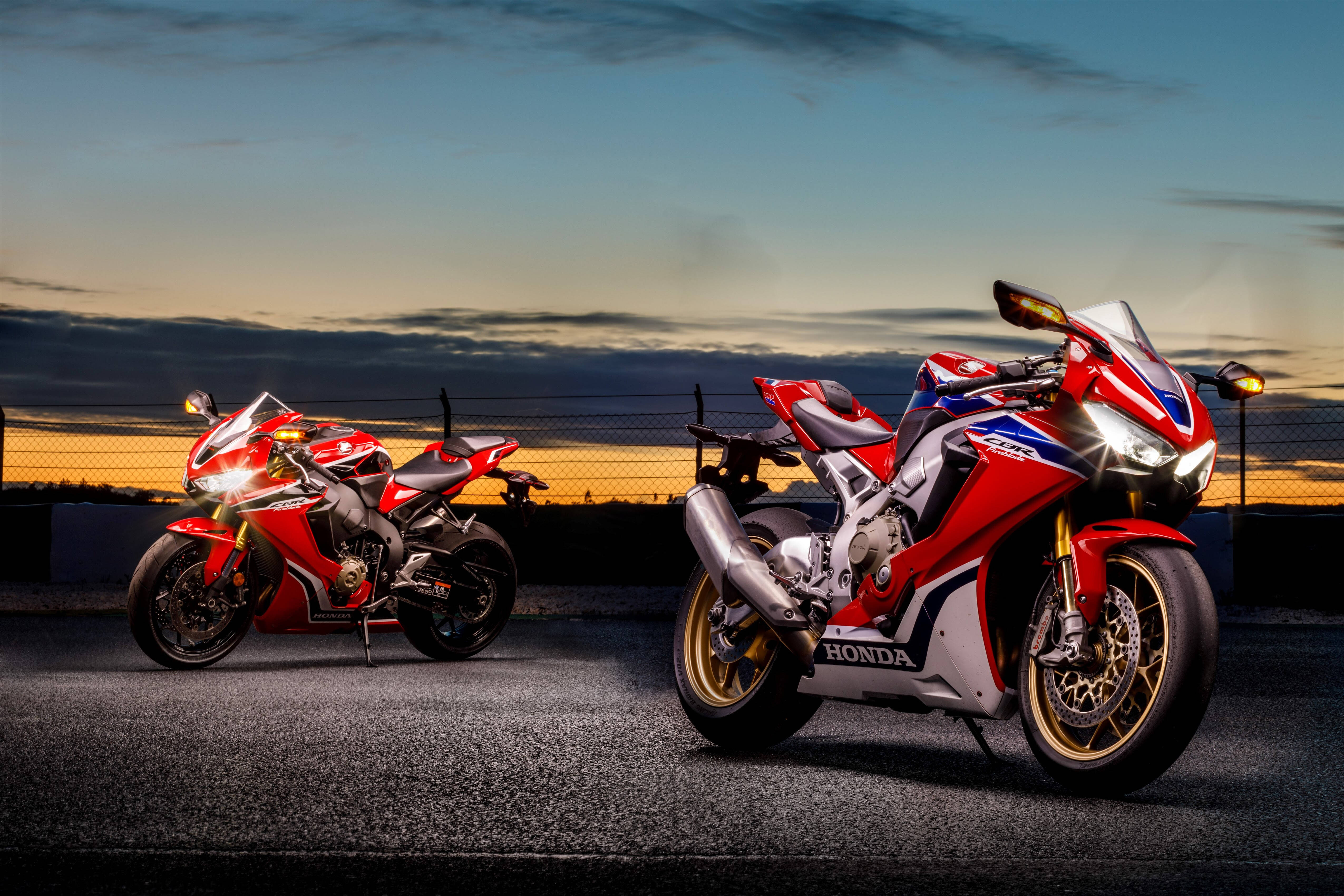 Honda CBR1000RR 2017: a moto não mudou muito no visual, mas promete entregar mais eportividade e performance. Foto: Divulgação