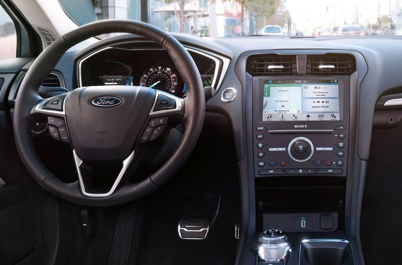 Ford Fusion Hybrid 2017. Foto: Divulgação