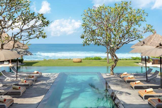 Villa Melissa, Canggu, Indonésia: Até dez hóspedes podem aproveitar os cinco quartos deste lugar – além da piscina, claro. Foto: Divulgação/Airbnb