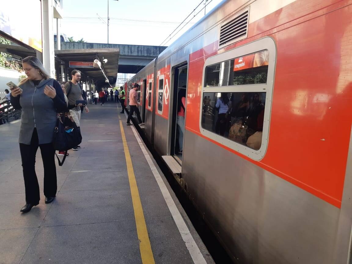 Funcionamento no terminal de trens de Santo André foi normal nesta sexta-feira. Foto: Reprodução/Marina Teodoro
