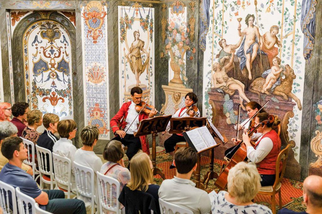A Sala Terrena, uma das casas de concerto mais antigas de Viena, sempre recebe concertos de Mozart. Foto: Reprodução/Mozart Enssemble Vienna